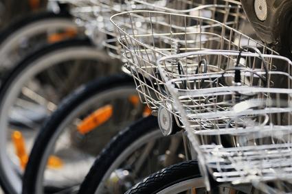 vélo velib - art de vivre partagé par Doux Good