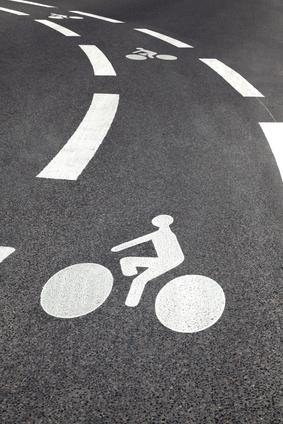 piste cyclable vélo - art de vivre et consommation collaborative