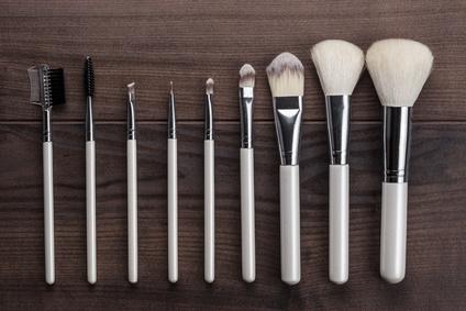 kit pinceaux maquillage présenté par Doux Good