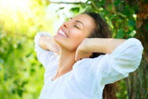 A l'arrivée du printemps, hydrater votre peau avec des soins du visage bio