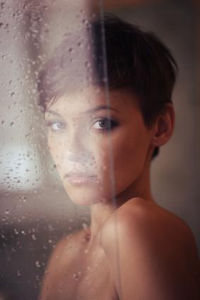 Le nettoyage de peau doit être parfait et cela devient possible avec la brosse pour le visage Doux Good