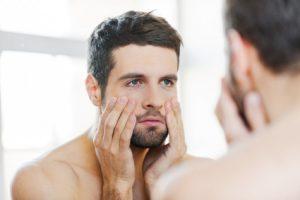 comment bien nettoyer son visage avec la brosse pour le visage Doux Good et le soin homme nettoyant Bivouak