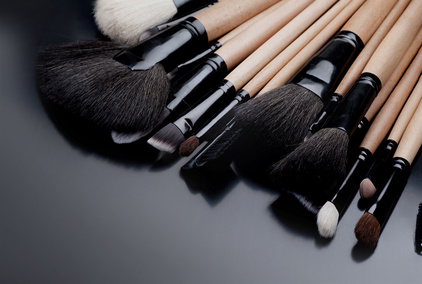 Doux Good vous explique l'utilisation des pinceaux pour un maquillage naturel