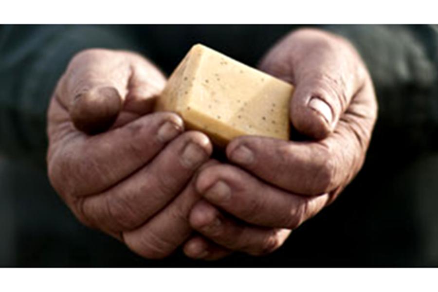 Saponification à froid du savon bio Cajoleur de Omum