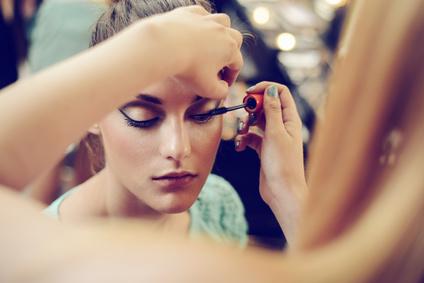 Adieu au maquillage tenace avec l'huile démaquillante
