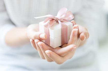Trouver son cadeau orginal femme sur Doux Good